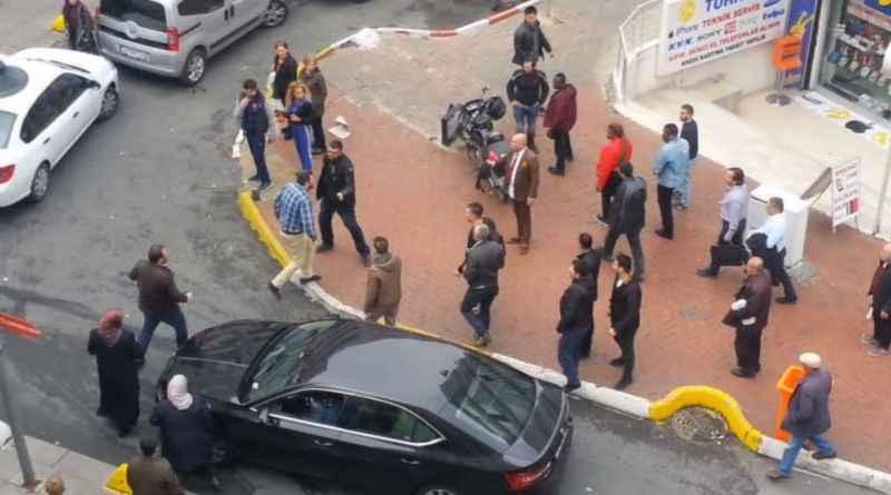 Osman Tanburacı'ya trafik tartışması sonrası saldırı kamerada