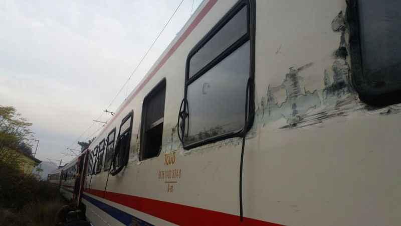 Adana'da hemzemin geçitte kaza