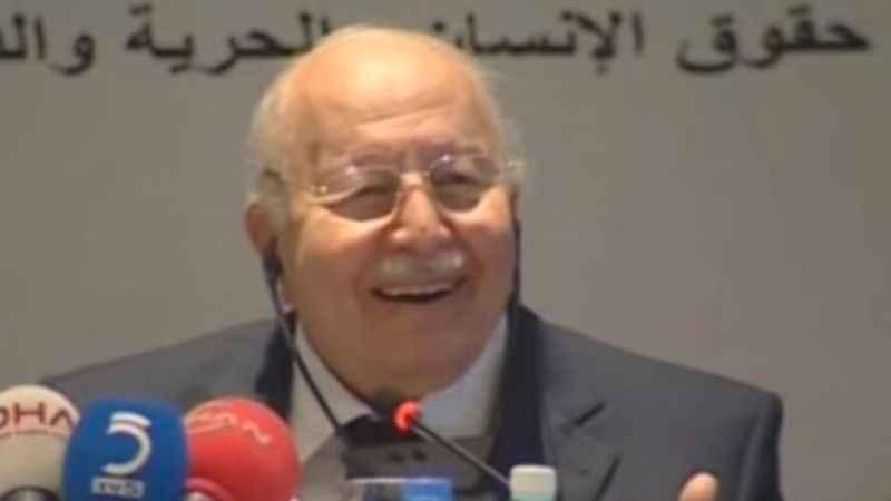 Erbakan Hoca İİT'yi Zeki Müren örneğiyle eleştiriyor: Kahrol düşman al sana bomba!
