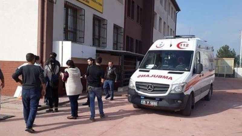 İzmir'de İlköğretim Okulunda Doğal Gaz Patlaması: 1 Ölü, 4 Yaralı ile ilgili görsel sonucu