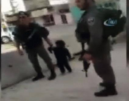 İşgalci İsrail askerlerinden 3 yaşındaki çocuğa müdahale
