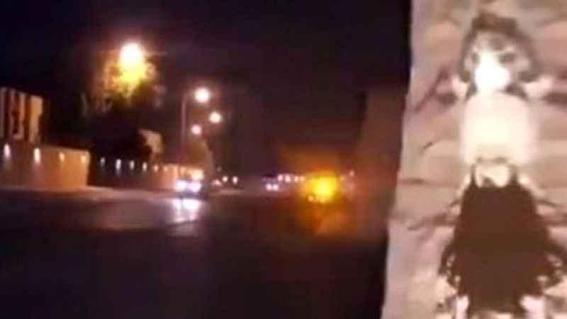 Suudi Arabistan Kraliyet Sarayı üzerinde uçan drone düşürüldü. Drone'un düşürülmesi sırasında çıkan silah sesleri darbe söylentilerine neden oldu. ile ilgili görsel sonucu