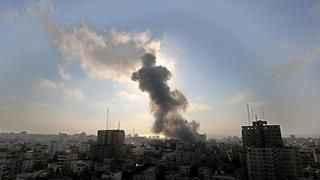 Katil İsrail'den Gazze'ye saldırı