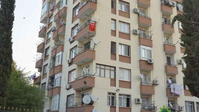 İki çocuk annesi, 4'üncü kattan atlayıp, intihar etti